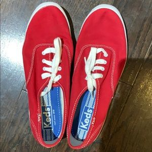 Keds. Red size 9.5. Brand new never worn.